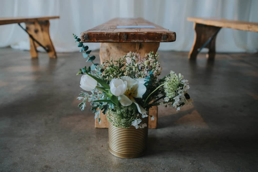 Trinity-buouy-wharf-aisle-flowers